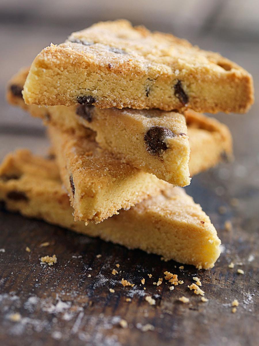 A pie of triangular biscuits