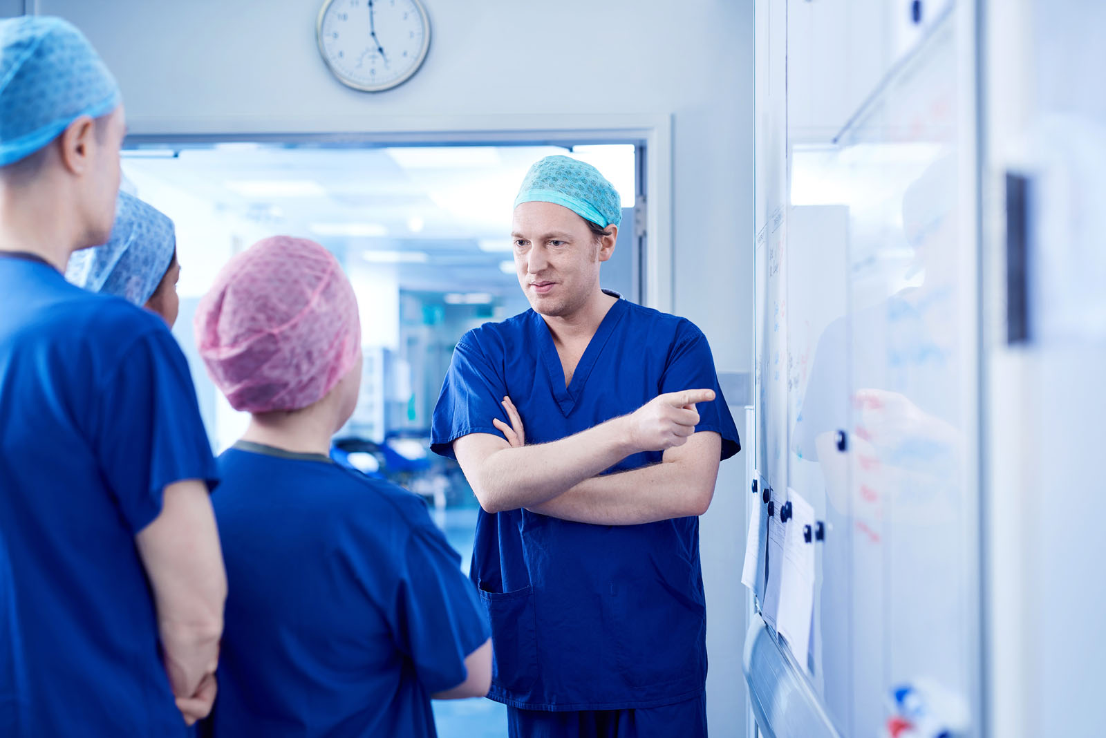 Surgery team briefing before an operation