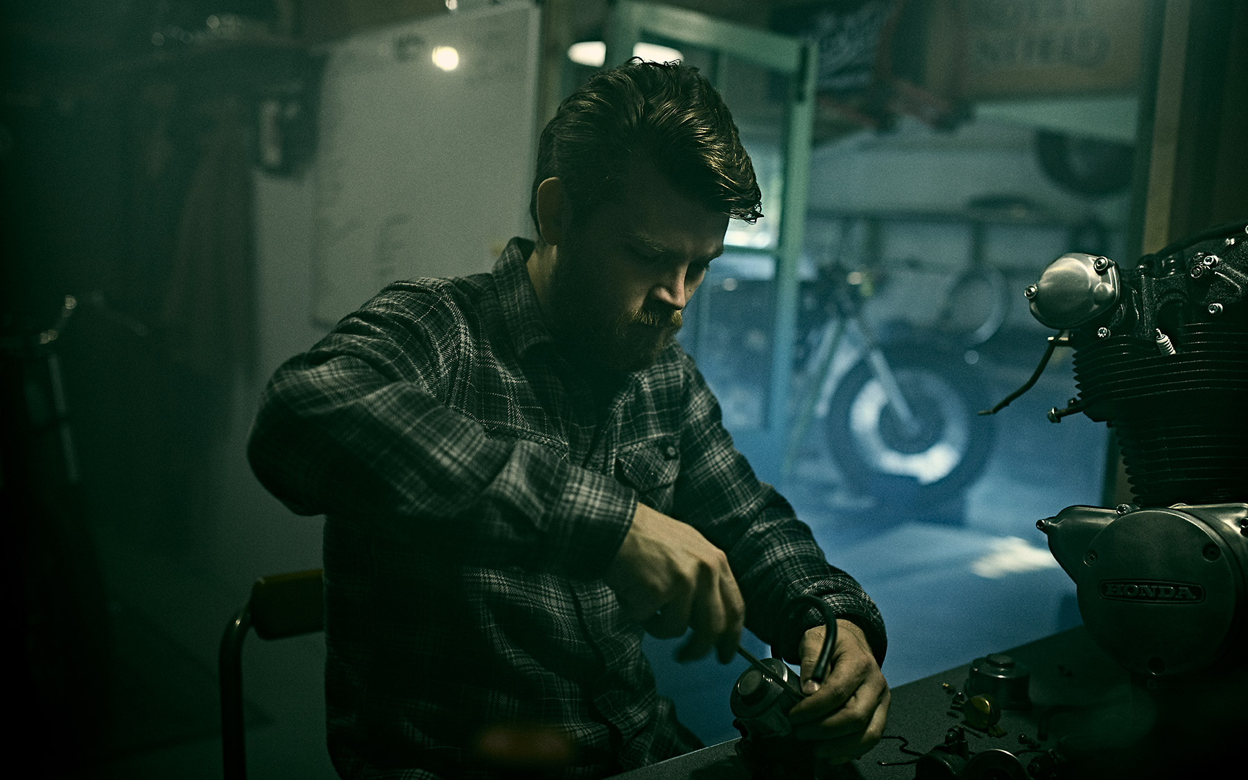 Rebuilding an engine at Inglorious Motorcycles
