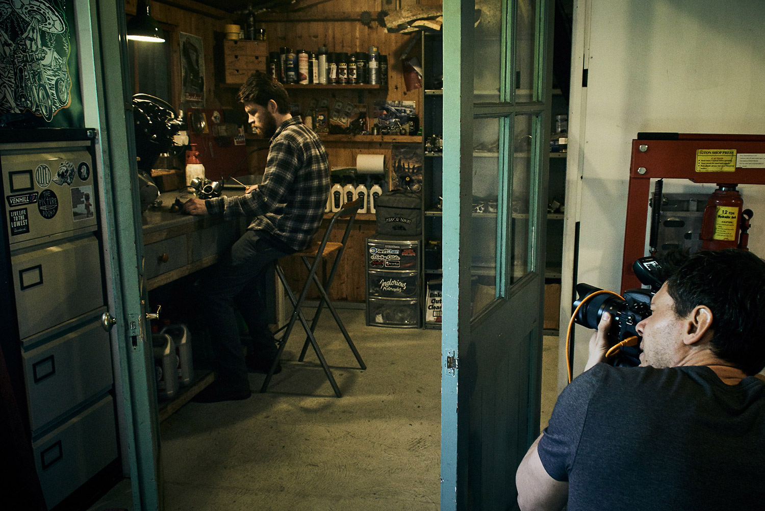 Behind the scenes on an environmental portrait shoot