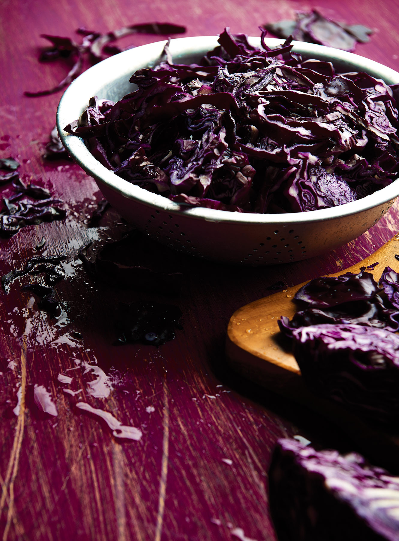 Red cabbage in a colander