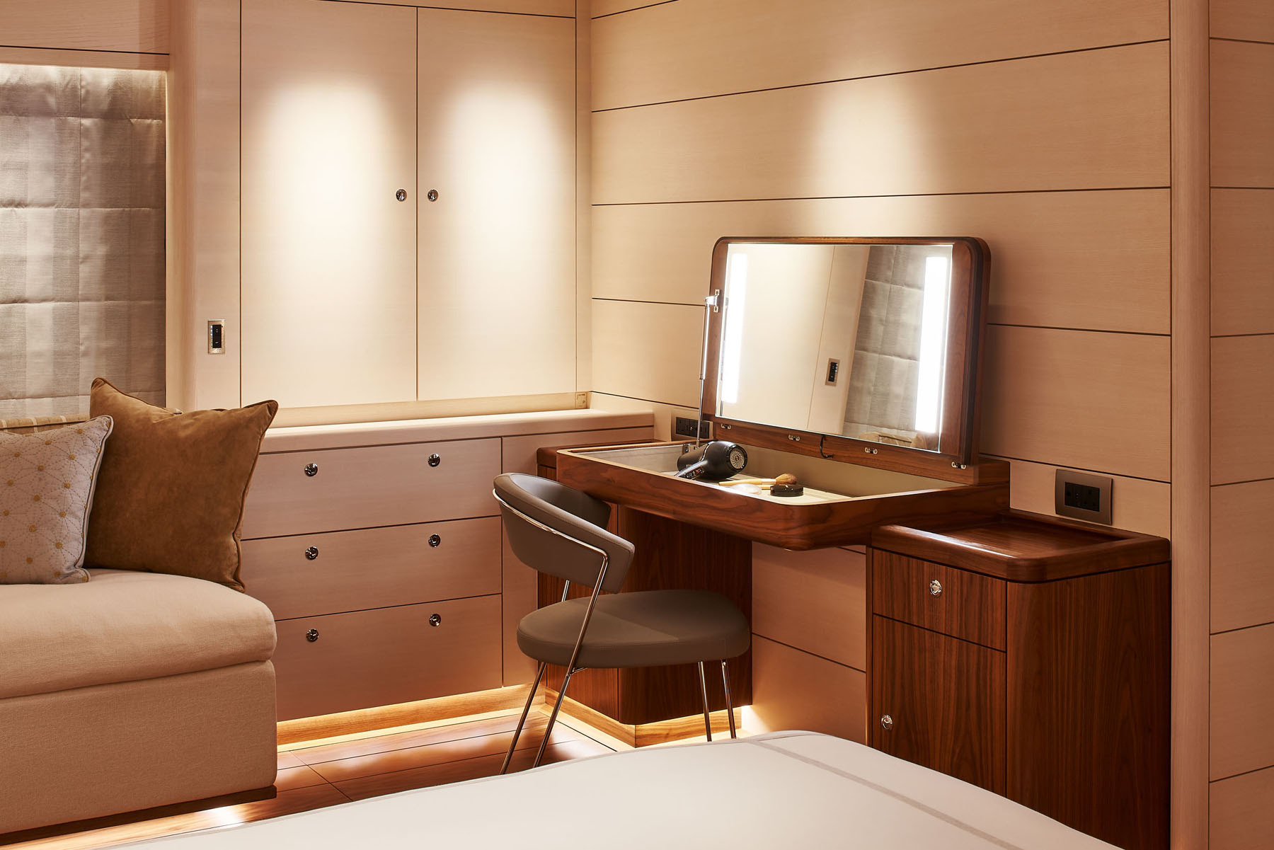 The master bedroom on the S/Y Archelon