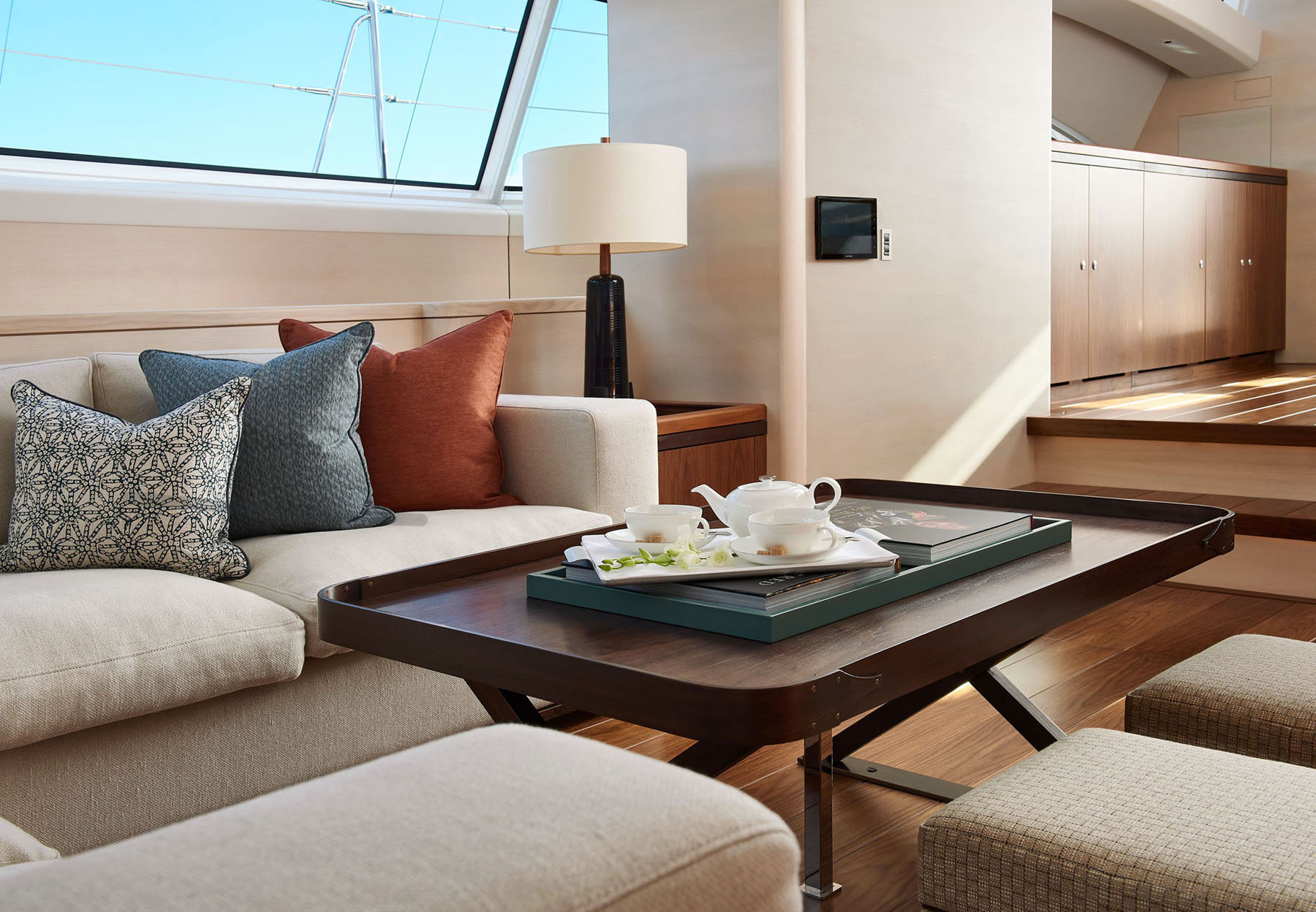 Interior image showing the salon onboard the S/Y Archelon